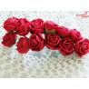 Kwiaty z pianki czerwone